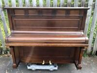 Upright Piano - Delivery included