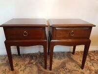 2 stag minstrel bedside tables with single drawer very good condition