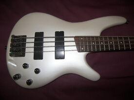 Ibanez SR300 / SR 300 , 4-String Active Bass Guitar / Pearl White.