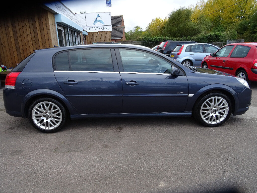2006 VAUXHALL SIGNUM ELITE V6 AUTOMATIC!! FULL SERVICE HISTORY AND MOT UNTIL JUNE 2018!!