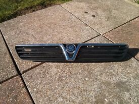Genuine Vauxhall Astra Mk 4 grill - will fit hatch, coupe, estate, van.