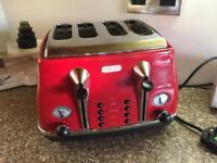 De'Longhi Red Toaster
