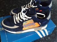 Very rare unisex Adidas ZX800 running shoes size 5