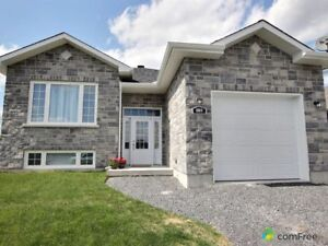 $329,900 - Bungalow for sale in Cornwall