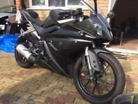 2015 Yamaha R125 black