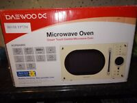 Daewoo Cream 23L 800W Touch Control 5 Programmes Retro Microwave Oven / Brand New