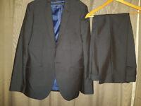 T&W 2 piece suit - 40R Jacket, 34W Short Trousers Charcoal
