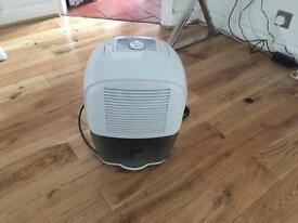 De'Longhi DEM10 Compact ‑ Dehumidifier - £100 (or nearest cash offer)