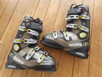 Technica Rival X8 Hot Form Ski Boots (UK size 7.5/EU 41.5) & boot bag
