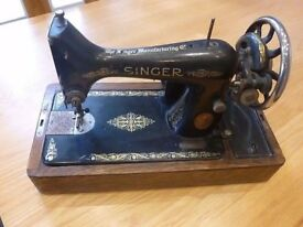 SINGER Sewing Machine Collectible