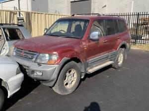 278 - Mitsubishi Pajeros wrecking