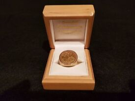 MENS 9CT GOLD SOVEREIGN RING