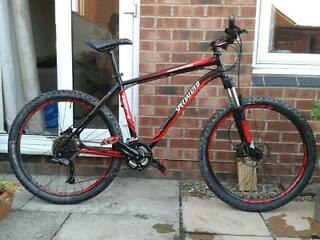 Specialized Rockhopper Expert 2012 Mountain Bike 19 inch frame