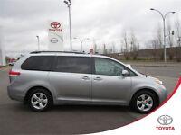 2014 Toyota Sienna LE 8 Passenger