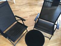 Chairs + table