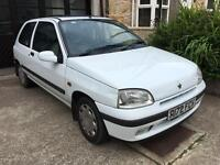 Auto Renault Clio 17000 miles from new