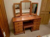 Solid wood pine dressing table with mirrors and stool in excellent condition - can deliver