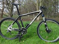 Scott Scale 30. CARBON FIBRE Mountain Bike. Perfect Working Order. VERY LIGHT & FAST. JUST 10.4Kg.
