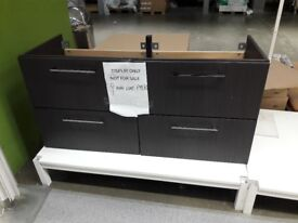 Wash-stand with 4 drawers