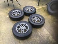 "Land Rover discovery 17"" Alloys a/t tyres"