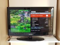 Samsung LCD Widescreen HD Ready 1080p TV Model: LE32B450C4WXXU Excellent Condition, with Remote.