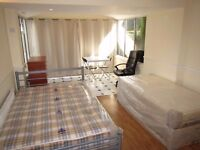 REALLY NICE AND COSY DOUBLE / TWIN ROOM TO RENT IN HANGER LANE AND PARK ROYAL- CENTRAL LINE.