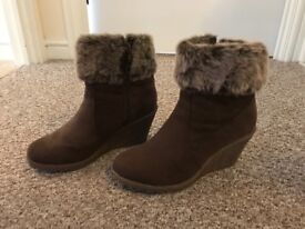Faux fur wedge boots (size 6)