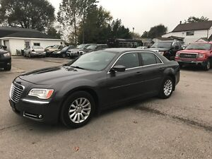 2013 Chrysler 300 Touring  FACTORY WARRANTY!! NO ACCIDENTS!!! London Ontario image 11