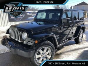 2017 Jeep Wrangler Unlimited Sahara Heated leather seats! 4X4...