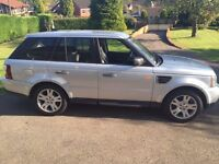 RANGE ROVER SPORT 2.7 DIESEL IN SILVER. ONE OWNER FROM NEW IN EXCELLENT CONDITION WITH NEW MOT.
