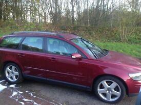 Volvo v50, like new,