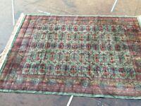 Very good quality, non-slip 'Shiraz' rug (8ft x 4ft) approx
