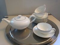 VILLEROY & BOCH PREMIUM BONE PORCELAIN TEA POT & TEACUPS/SAUCERS GBP 120 ( price 372)