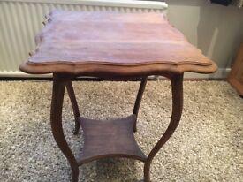 Pie Crust Antique Table , Excellent condition - perfect for restoration