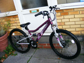 "GIRLS 24"" WHEEL BIKE HARDLY USED 15"" FRAME IN GREAT WORKING ORDER"