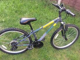 Boys bike 8-10 yrs still for sale