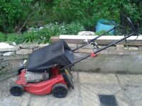 SOVEREIGN Self-Propelled 4 Stroke LAWNMOWER. in Very Good Condition.