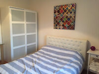 Professional House Share - Double Room with ensuite £400 inc all bills