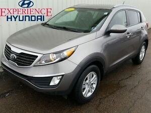 2013 Kia Sportage LX EXCELLENT SMALL WITH FACTORY WARRANTY AND G
