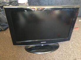 """26"""" tv Samsung with remote"""