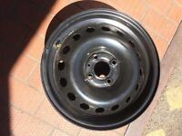 Renault Clio mk3 2006 steel wheel in great condition/breaking whole car