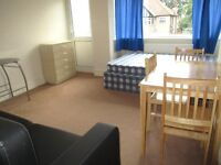 EXCELLENT 2 BEDROOM GARDEN FLAT NEAR ZONE 3 NIGHT TUBE, MANY GOOD BUS ROUTES & SHOPPING CENTRE