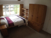 House Share Double room All bills included 3 Bedroom 1 bathroom share in Heald Green SK83HP