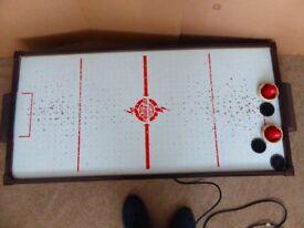 Air Hockey game 120 x 60 cm.