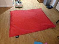 XXL bean bag indoor & outdoor, red, used, the cloud