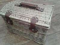 Large christmas /hamper wicker basket