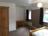 AVAILABLE NOW: 4 BEDROOM HOUSE TO LET, HYDE PARK, LEEDS, LS6 3BW