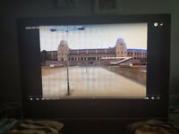 32 inch Toshiba 32WLT66s LCD TV HDMI HD Ready Freeview