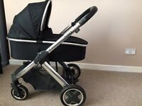 Oyster 2 travel system in black