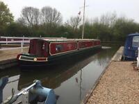 Vinnie:- Narrowboat Holiday Hire Canal Barge Narrow Boat